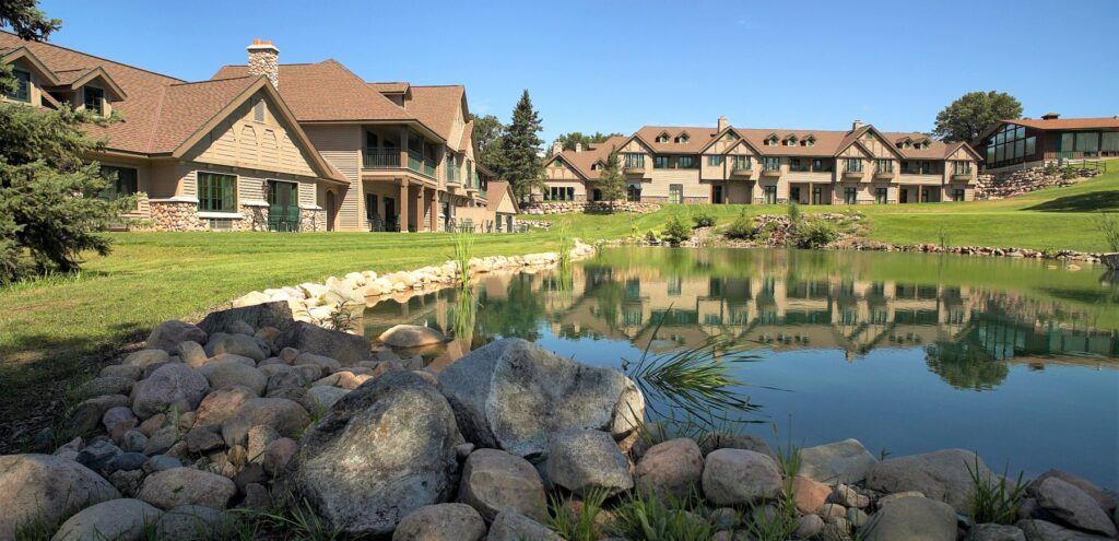 golf villas water 1800x870 1